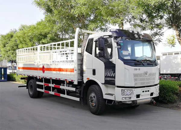 解放J6气瓶运输车(6.16米)