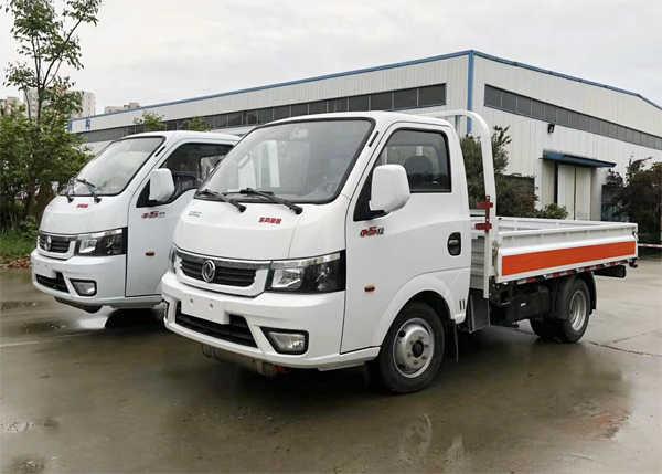 东风途逸气瓶运输车(3.1米)