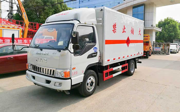 江淮骏铃爆破器材运输车(4.12米)