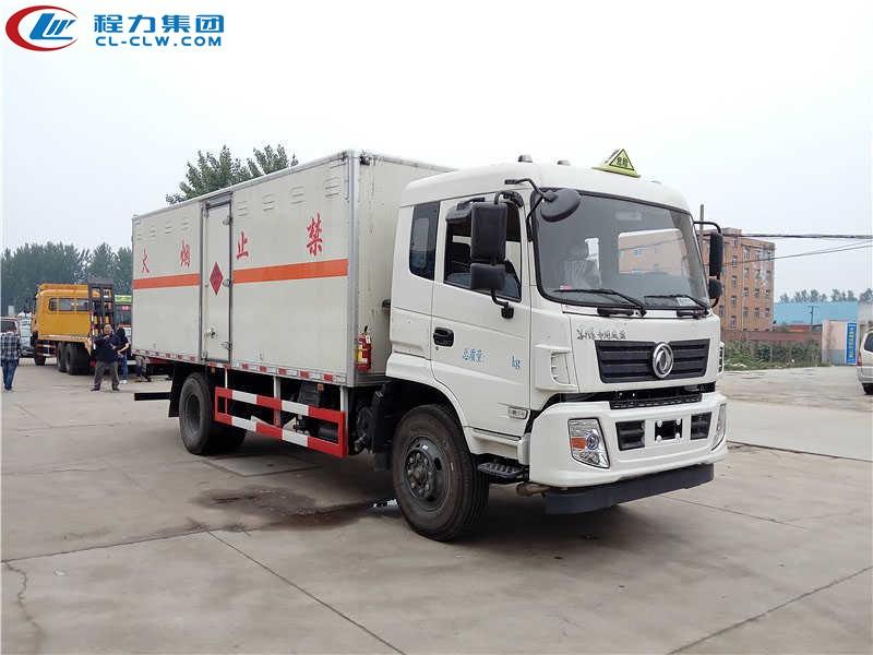 东风专用爆破器材运输车(6.1米)