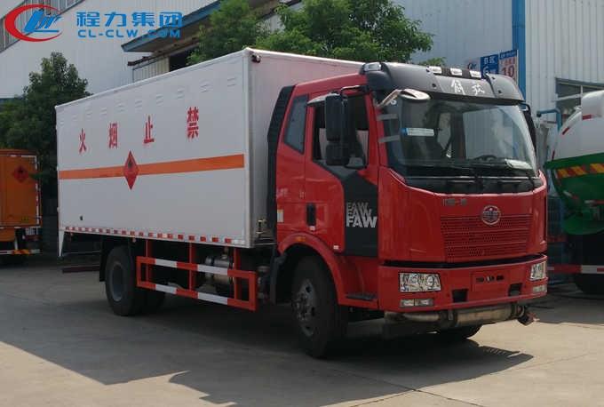 解放J6易燃气体厢式运输车(6.2米)