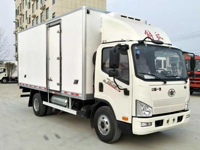 解放J6F冷藏车(4.13米)