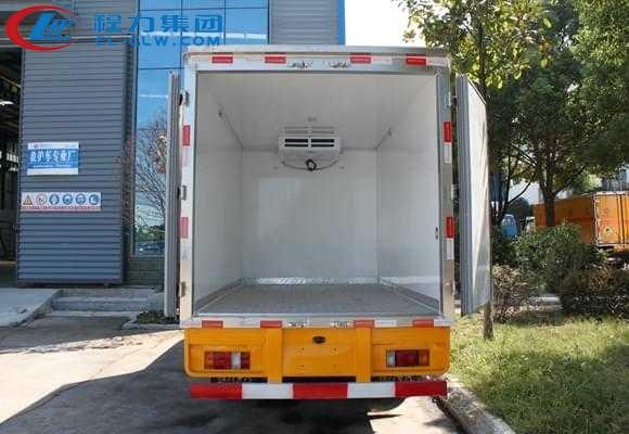 五十铃双排冷藏车4