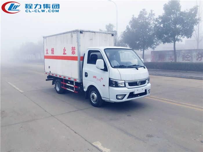 东风途逸杂项危险品厢式运输车(3.17米)