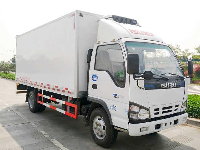 五十铃5.1米冷藏车(600P)
