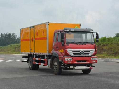 重汽斯太尔爆破器材运输车(6.07米)