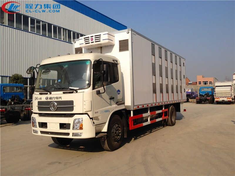 东风天锦畜禽运输车(7.6米)