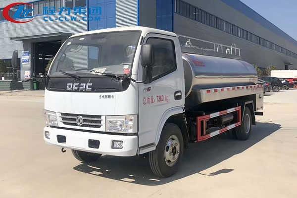 东风小多利卡4吨鲜奶运输车(4.5方)