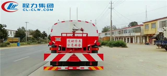 东风天龙25吨洒水车图片