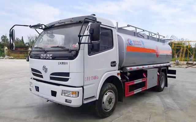 东风福瑞卡加油车(10方)