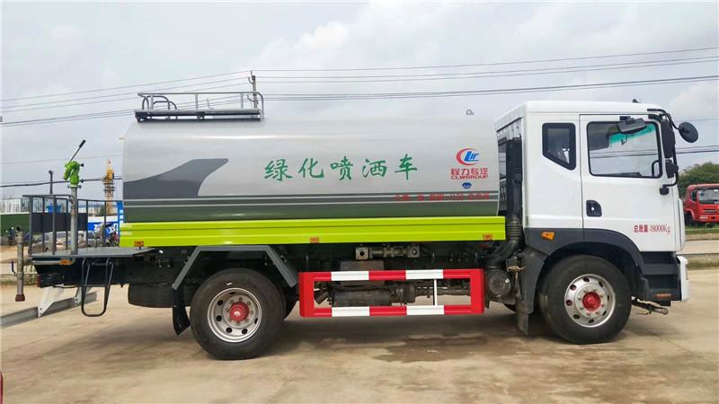 ???????东风14吨洒水车右视图