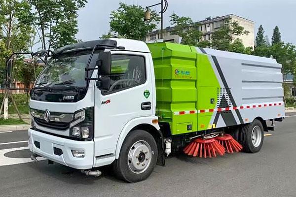 东风凯普特5吨扫路车